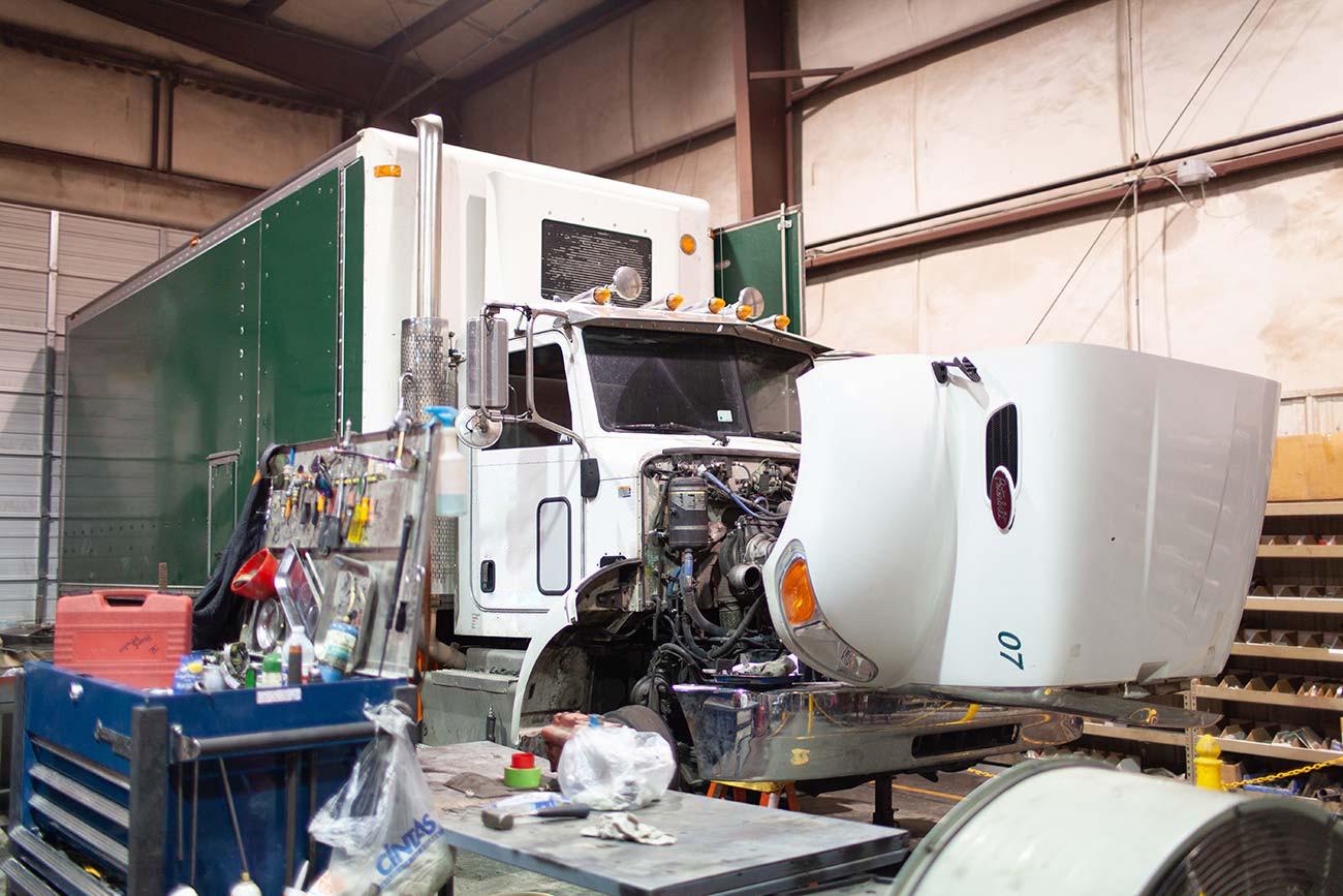 fleet service of tulsa truck being repaired