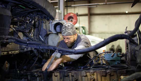 fleet service of tulsa diesel engine repairing