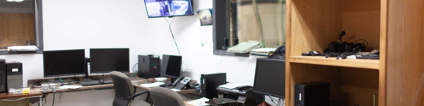 fleet service of tulsa oilfield test pit control room